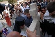 Возведение и освящение креста на месте будущего храма_8